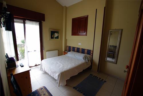 Habitación doble casa rural Arribeiti-Zarra en Bizkaia