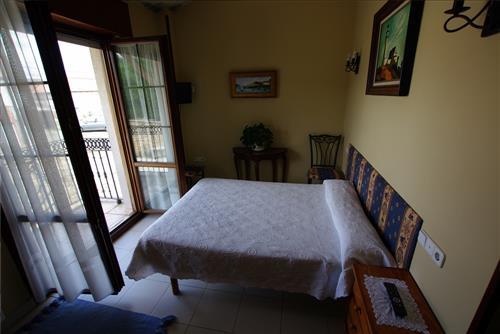 Habitación doble 1 casa rural Arribeiti-Zarra en Bizkaia