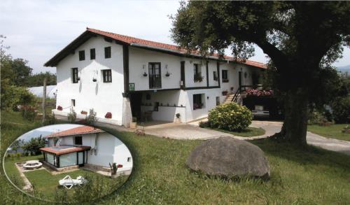 fachada 1 casa rural monte baserria en Vizcaya