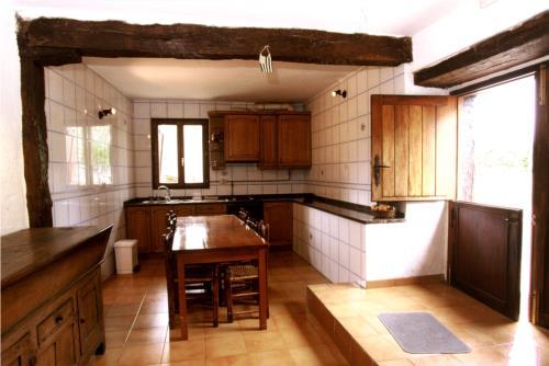 cocina casa rural makaztui en Vizcaya