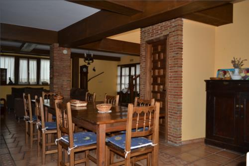 dining room farm house gorbea bide in Alava