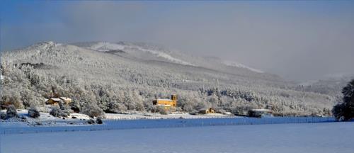landscape 2 farm house gorbea bide in Alava