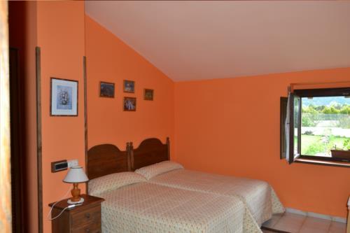 double room 2 farm house gorbea bidea in Alava