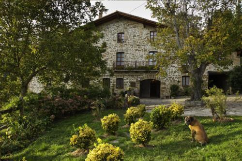 fachada casa rural Anduri Baserria en Gipuzkoa
