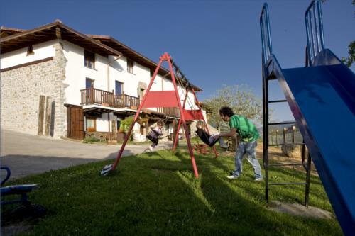 exterior 1 agroturismo Lamaino Etxeberri en Gipuzkoa