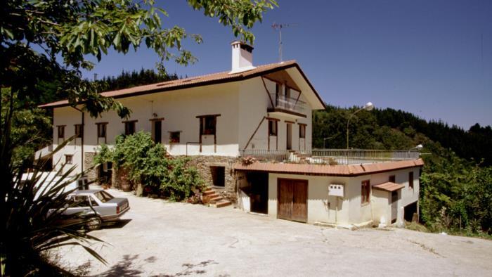 fachada agroturismo Txindurri Iturri en Gipuzkoa