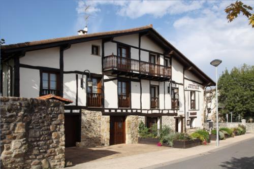 facade farm house barazar in Gipuzkoa