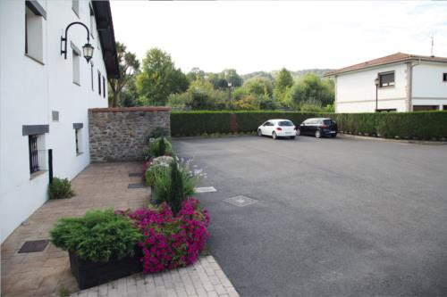 parking country house barazar in Gipuzkoa