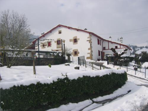 fachada casa rural Mitarte Garai en Gipuzkoa