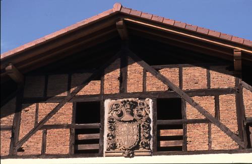 fachada 2 agroturismo murueta baserria en Vizcaya