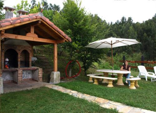 Jardin 1 casa rural Andutza en Bizkaia