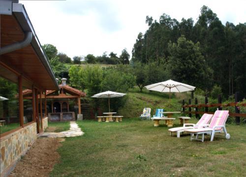 Jardin casa rural Andutza en Bizkaia