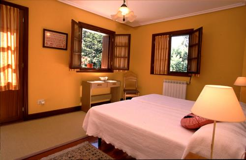 habitación doble 1 casa rural Itsas Lore en Gipuzkoa