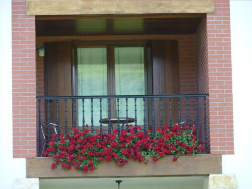 ventana agroturismo karobi en gipuzkoa