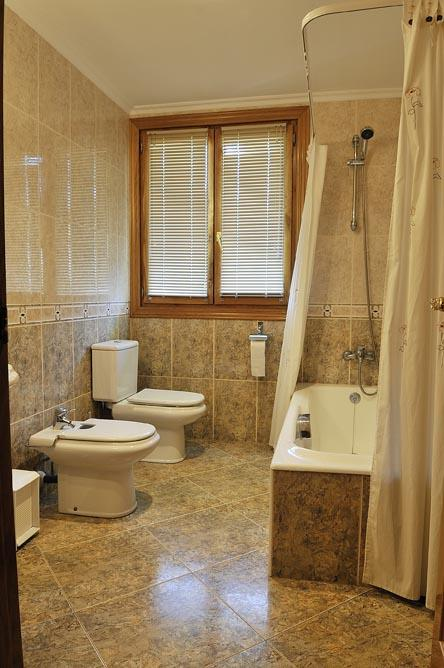baño 1 agroturismo orubixe en Vizcaya