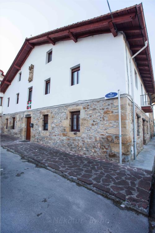 facade country house irigoien in Gipuzkoa