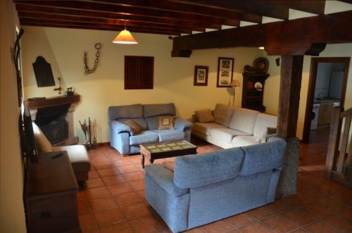 salón 1 casa rural angotia en Vizcaya