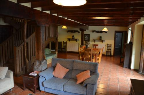 salon  casa rural angoitia en Vizcaya