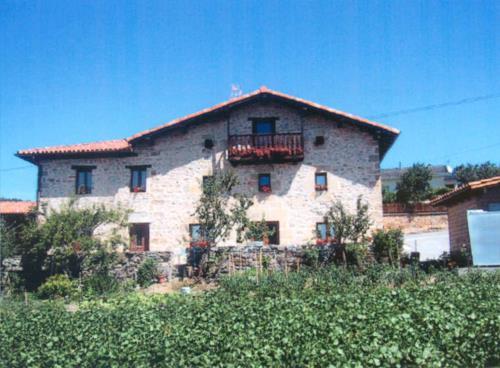 fachada 3 casa rural izpiliku en Alava