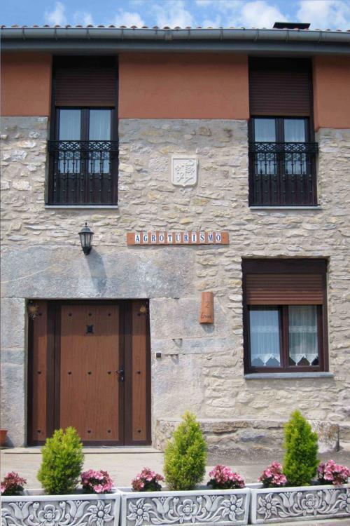 fachada 1 agroturismo abaianea en Alava