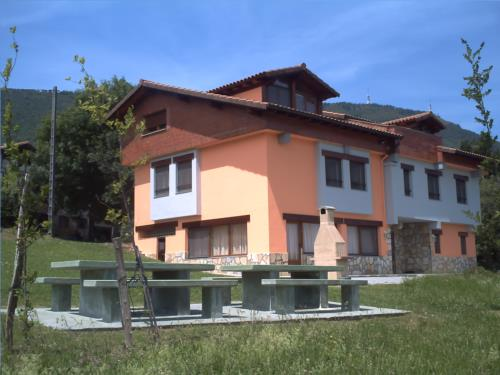 fachada agroturismo Juan Martindegi en Gipuzkoa