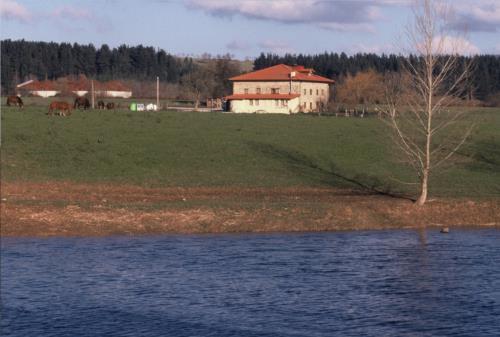 facade 1 country house bentazar in Alava