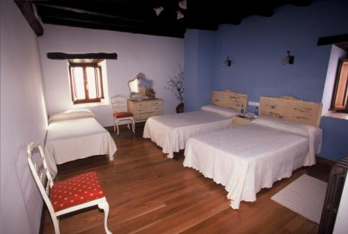 double room 2 country house bentazar in Alava