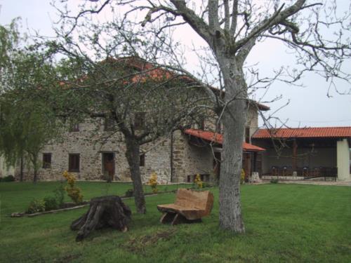 facade 2 country house bentazar in Alava