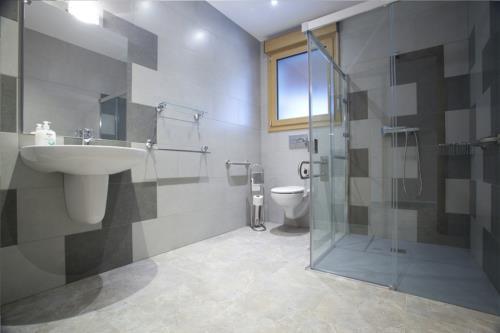 baño 2 agroturismo Enbutegi en Gipuzkoa