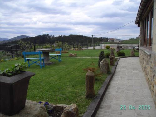 jardin 1 agroturismo etxano en Vizcaya