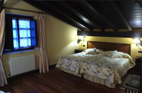 habitación doble casa rural Larrakoetxea en Bizkaia