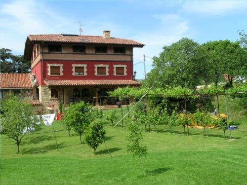 fachada 1 casa rural labeondo en Vizcaya