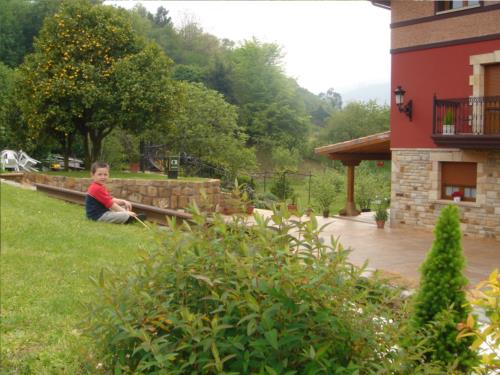 jardin casa rural labeondo en Vizcaya
