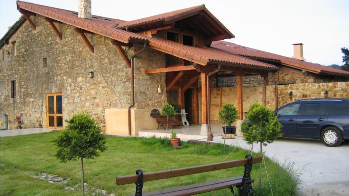 fachada casa rural patxi errege en Vizcaya