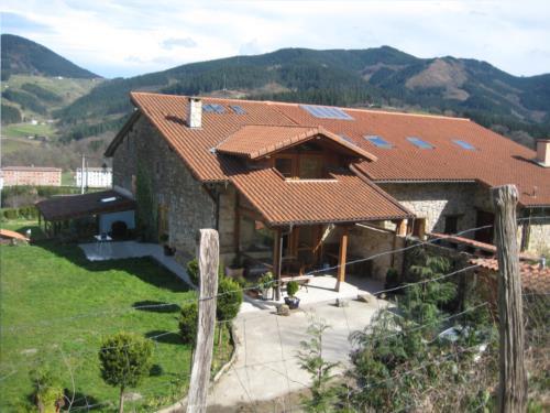 fachada 2 casa rural patxi errege en Vizcaya