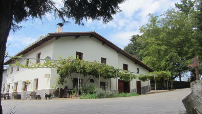 Fachada casa rural Astobieta/ Bizkaia