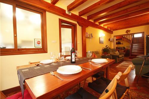 Comedor y sala de estar casa rural Astobieta/Bizkaia