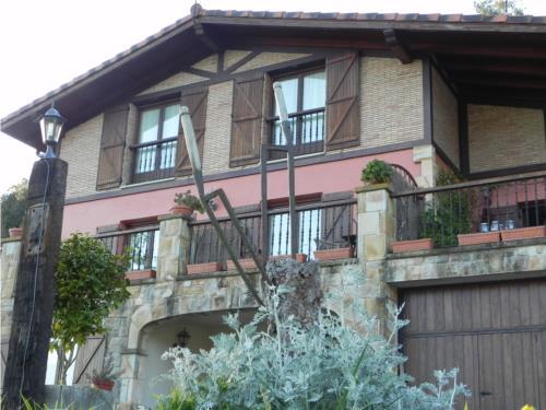 facade farm house goiena in Bizkaia