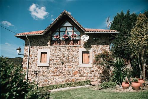 Fachada Casa Rural Urrezko Ametsa en Bizkaia