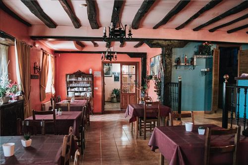 Salón- Comedor Casa Rural Urrezko Ametsa en Bizkaia