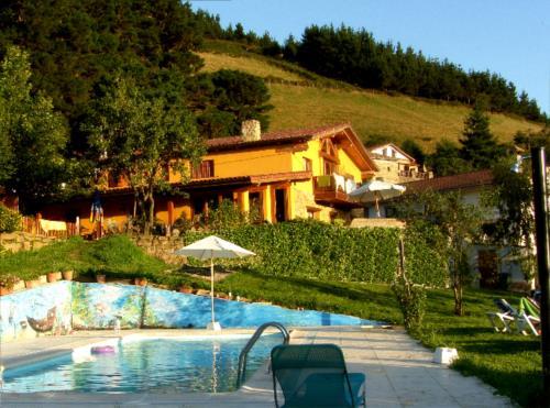 piscina 1 casa rural gailurretan en Vizcaya