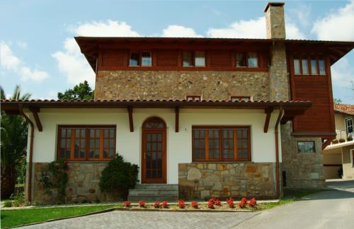 fachada casa rural Oraindi en Bizkaia