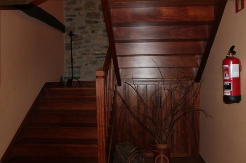 escaleras agroturismo longa nagusia en bizkaia