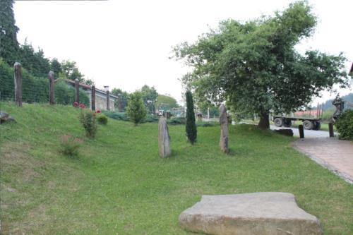 jardín agroturismo longa nagusia en bizkaia