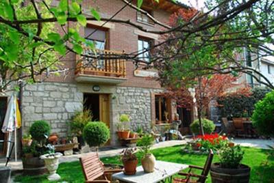 fachada 2 casa rural arbaieta etxea en Alava