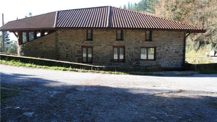 fachada casa rural oka en Vizcaya