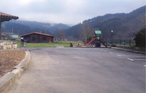 parking casa rural Barturen en Bizkaia