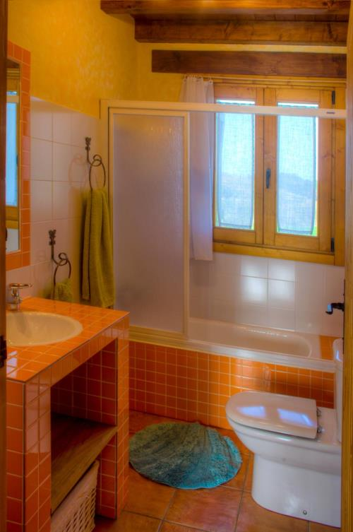 baño apartamento agroturismo larraxko en gipuzkoa