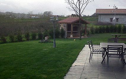 exterior casa rural Eguzkilore en Bizkaia