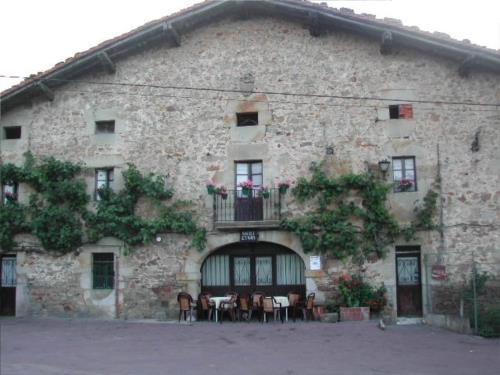 fachada 1 agroturismo berriolope en Vizcaya